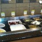  Fresh fruit bar-Good service-Clean