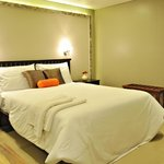 Artina Suites Hotel