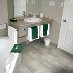  Another spa ensuite