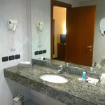 Camera executive 416, bagno