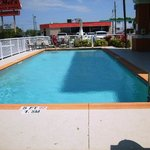  Pool - with Mel&#39;s Diner in the background