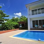 Photo de Chalong Beach Front Residence