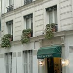  Hotel de l&#39;Avre at the rue de l&#39;Avre