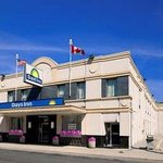 Welcome To The Days Inn Toronto E Beach