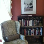  Zora&#39;s Reading Nook