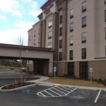 Hampton Inn Waynesburg, front entrance