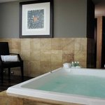 Hot Tub Corner Suite