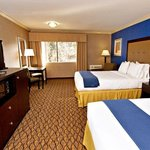  Spacious guest rooms at hotel near Port Hueneme Beach