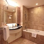 Orchard Scotts Residences Bathroom