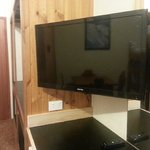 New Flat Screen TVs in All Alpine Rooms 14/04/13