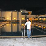 the swimming ool at the Hyatt Bandung is open day and night