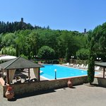  Panoramica sulla piscina e sul meraviglioso Castello di Poppi