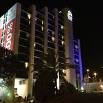  Hotel by night