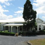  Waipoua Lodge - a little bit of luxury etched in history