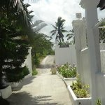 Photo de Barefoot White Beach Resort