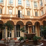  chiostro Hotel Piazza Borsa
