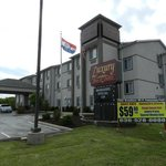 Photo of Luxury Inn &amp; Suites Troy