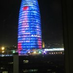  Torre Agbar vue de notre chambre la nuit