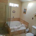  Cottage Suite Marble Walk-In Shower and Jacuzzi Tub