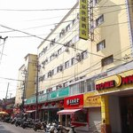 Home Inn Shanghai Sichuan North Road Subway Station의 사진