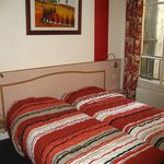  Htel de Dieppe : chambre