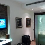 Romeo Hotel - The room, tv, sink area