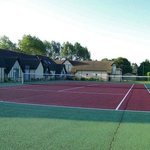  terrain de tennis et les gites