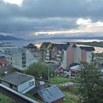  Vue sur la ville, le port, le canal Beagle