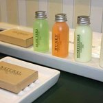  Complinentary toiletries