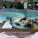  A poolside lunch