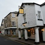  The Sun Inn main entrance