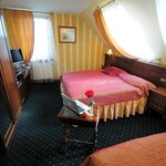 Triple room (three separate beds or one double bed with single bed)