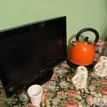  Room tv and amenities
