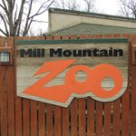 Sign at entrance to Mill Mountain Zoo