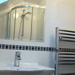 bright clean ensuite at Browside
