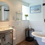 The bathroom of Mawddach Suite