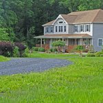 Off the road and into peace and quiet at the Moondance Ridge B&B!