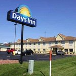  Welcome to Days Inn and Suites Benton Harbor
