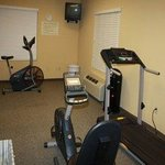  Fitness Center / Workout Room