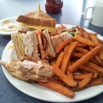Ham Sandwich with sweet potatoe fries and chipotle mayo