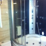 larger room shower n bathroom