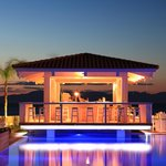 Villa Di Mare Luxury Suites