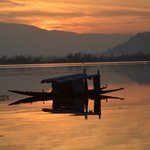 Evening at Dal lake