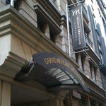  Grand Mercure Melbourne Flinders Lane Apartments