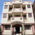  Hotel Sheela Inn: Front view