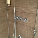Shower/tub fixtures
