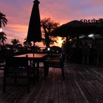  Coco&#39;s Bar at sunset