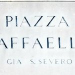  Piazza Raffaello