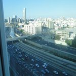  Vista desde la habitacin. Autopista a Jerusalm y Ben Gurion
