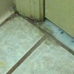  Dirsty discolored floor